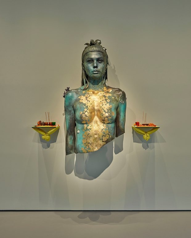 Aspect of Katie Ishtar ¥o-landi. Photograph: Prudence Cuming Associates © Damien Hirst and Science Ltd