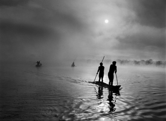 A group of Waura Indians fishing in Lake Puilanga near their village in the Upper Xingu region of Brazil's Mato Grosso state